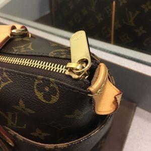 Louis Vuitton Bags - Authentic Louis Vuitton totally PM